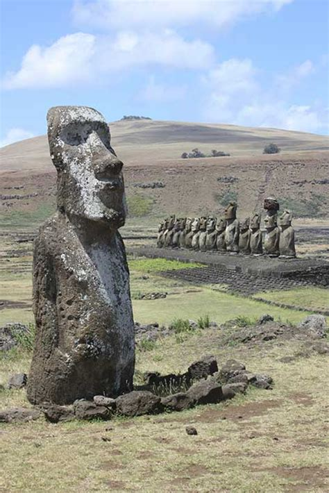 Easter Island Statues Have Bodies