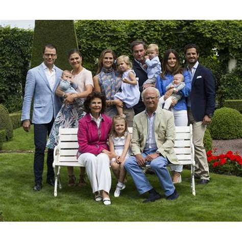 The Swedish Royal Family release a summery new portrait