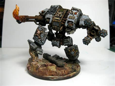 warhammer 40k - How effective would a mech be in a city