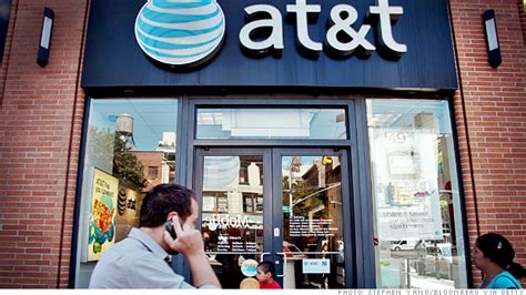 AT&T offers T-Mobile customers $450 to switch - Jan