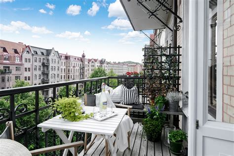 15 Charming Scandinavian Balcony Designs That Will Give